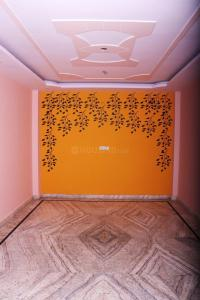 Gallery Cover Image of 900 Sq.ft 3 BHK Independent Floor for rent in Uttam Nagar for 14500