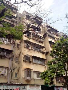 Gallery Cover Image of 1300 Sq.ft 3 BHK Apartment for buy in Malad West for 27500000