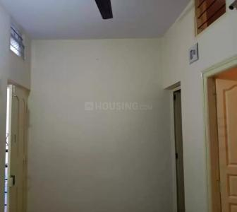 Gallery Cover Image of 400 Sq.ft 1 BHK Independent Floor for rent in Azad Nagar for 7500