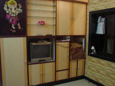 Gallery Cover Image of 325 Sq.ft 1 RK Apartment for rent in Worli for 25000