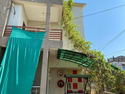 Gallery Cover Image of 1305 Sq.ft 3 BHK Independent Floor for buy in Abaad Nagar for 5500000