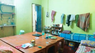 Bedroom Image of Ruma Mitra Paying Guest in Taltala