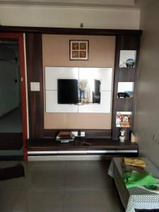 Gallery Cover Image of 650 Sq.ft 1 BHK Apartment for rent in Kolte Patil Life Republic 6th Avenue, Hinjewadi for 16000