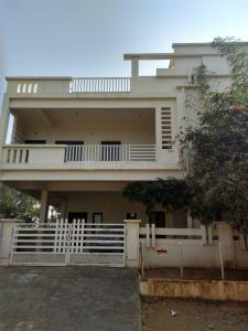 Gallery Cover Image of 3200 Sq.ft 4 BHK Independent House for rent in Saroornagar for 35000