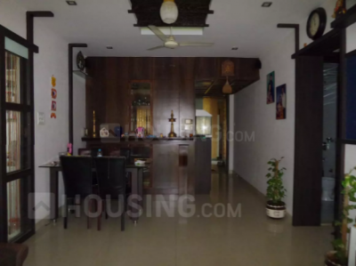 Gallery Cover Image of 1265 Sq.ft 3 BHK Apartment for rent in Kandivali East for 37200