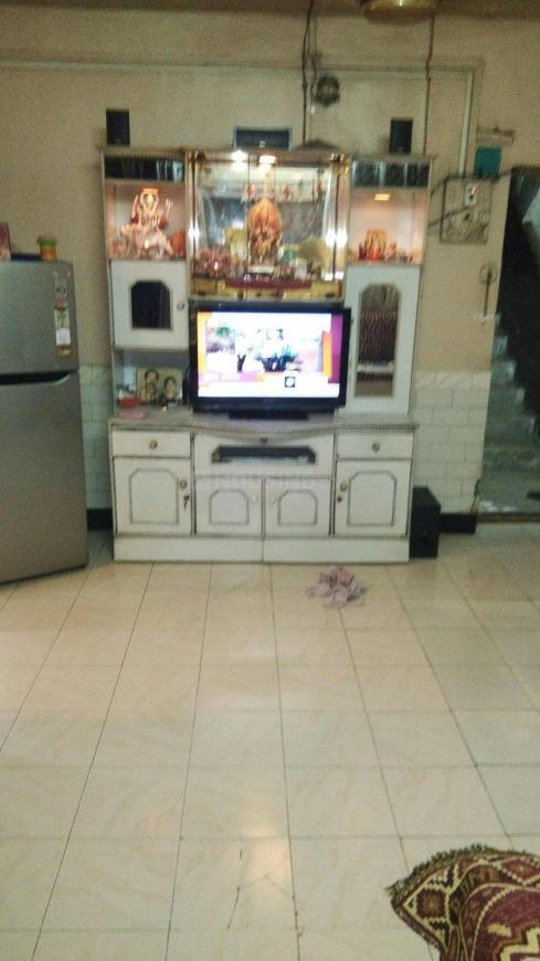 Living Room Image of 550 Sq.ft 2 BHK Apartment for rent in Vashi for 17000