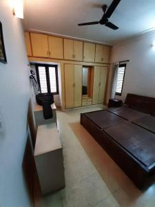 Gallery Cover Image of 2700 Sq.ft 3 BHK Independent House for buy in Judicial Layout for 25000000