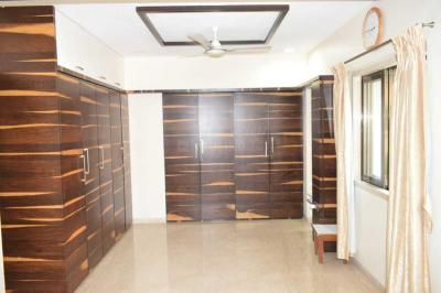 Gallery Cover Image of 2000 Sq.ft 4 BHK Apartment for buy in Prabhadevi for 67500000