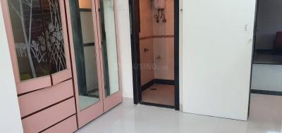 Gallery Cover Image of 800 Sq.ft 2 BHK Apartment for rent in Thane West for 32000