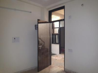 Gallery Cover Image of 560 Sq.ft 2 BHK Apartment for rent in Sector 4 Rohini for 10000