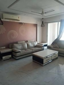 Gallery Cover Image of 2225 Sq.ft 3 BHK Apartment for rent in Chandkheda for 18000