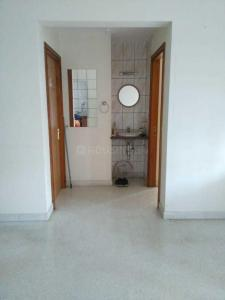 Gallery Cover Image of 1250 Sq.ft 2 BHK Apartment for rent in Amrutahalli for 20000