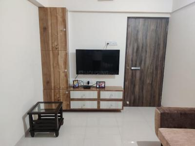 Gallery Cover Image of 520 Sq.ft 1 BHK Apartment for rent in Squarefeet Joy Square, Kasarvadavali, Thane West for 14500