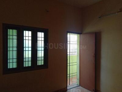 Gallery Cover Image of 550 Sq.ft 1 BHK Apartment for rent in Kattupakkam for 6500