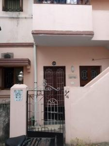 Gallery Cover Image of 490 Sq.ft 1 BHK Apartment for buy in Adambakkam for 2500000