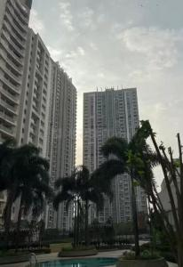 Gallery Cover Image of 922 Sq.ft 2 BHK Apartment for rent in Lodha Aurum Grande, Kanjurmarg East for 68000