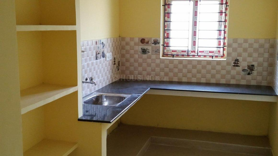 Kitchen Image of 975 Sq.ft 2 BHK Apartment for rent in Chromepet for 11500