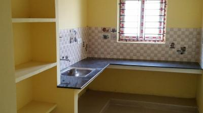 Gallery Cover Image of 975 Sq.ft 2 BHK Apartment for rent in Chromepet for 11500