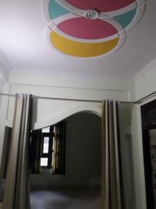 Gallery Cover Image of 1500 Sq.ft 3 BHK Apartment for rent in Kalyan Apartment, Harsh Nagar for 15335