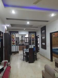 Gallery Cover Image of 1400 Sq.ft 4 BHK Independent Floor for rent in Shakti Khand for 15000