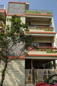 Gallery Cover Image of 1200 Sq.ft 2 BHK Apartment for rent in Srinivaspura for 15700