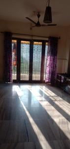 Gallery Cover Image of 925 Sq.ft 2 BHK Apartment for rent in Thane West for 28000