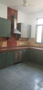 Gallery Cover Image of 1800 Sq.ft 3 BHK Independent Floor for rent in Chittaranjan Park for 60000