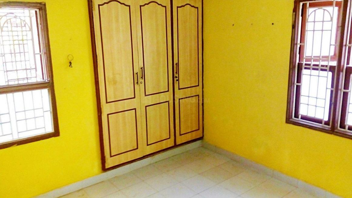 Bedroom Image of 550 Sq.ft 2 BHK Apartment for rent in Old Pallavaram for 9000
