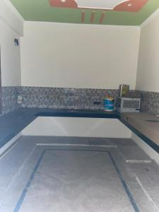 Gallery Cover Image of 2451 Sq.ft 3 BHK Independent Floor for rent in Sector 130 for 30000