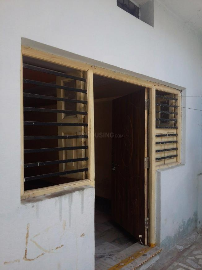 Main Entrance Image of 1000 Sq.ft 2 BHK Apartment for rent in Borabanda for 8000