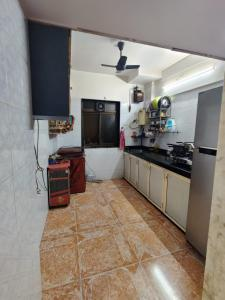 Gallery Cover Image of 895 Sq.ft 1 BHK Apartment for rent in Vijay Nagar, Andheri East for 32000