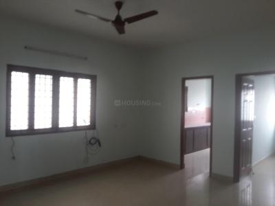 Gallery Cover Image of 1200 Sq.ft 3 BHK Apartment for rent in Velachery for 17000