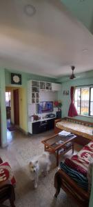 Gallery Cover Image of 1175 Sq.ft 3 BHK Apartment for buy in Ashirbad, Tollygunge for 4700000