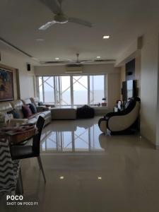 Gallery Cover Image of 1300 Sq.ft 3 BHK Apartment for buy in Worli for 100000000