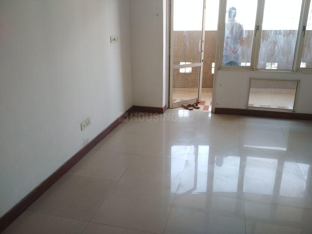 Living Room Image of 1040 Sq.ft 2 BHK Apartment for buy in Omicron I Greater Noida for 3400000