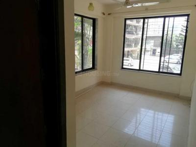 Gallery Cover Image of 1110 Sq.ft 3 BHK Apartment for rent in Kandivali East for 35000