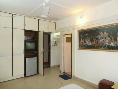 Gallery Cover Image of 600 Sq.ft 1 BHK Apartment for rent in Ghatkopar East for 27000