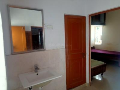 Gallery Cover Image of 500 Sq.ft 1 BHK Apartment for rent in Qutab View Apartments, Katwaria Sarai for 15000