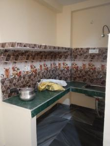 Gallery Cover Image of 500 Sq.ft 1 BHK Independent Floor for rent in Chhattarpur for 6400