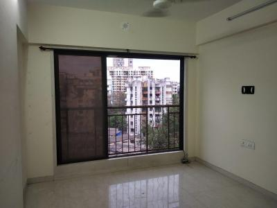 Gallery Cover Image of 650 Sq.ft 1 BHK Apartment for rent in Malad West for 30000