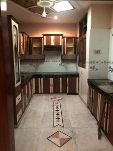 Gallery Cover Image of 1200 Sq.ft 3 BHK Apartment for rent in Kaushambi for 30000