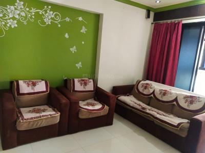 Gallery Cover Image of 1050 Sq.ft 2 BHK Apartment for rent in Bhakti Park, Kasarvadavali, Thane West for 19000