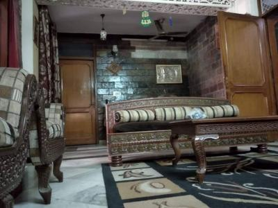 Gallery Cover Image of 630 Sq.ft 3 BHK Independent Floor for buy in Jamia Nagar for 2700000
