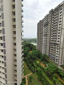 Gallery Cover Image of 2100 Sq.ft 3 BHK Apartment for rent in L And T Emerald Isle, Powai for 90000