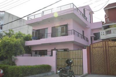 Gallery Cover Image of 1332 Sq.ft 2 BHK Independent Floor for rent in Sector 17 for 22000