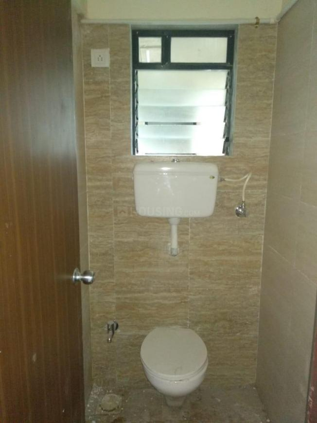 Common Bathroom Image of 550 Sq.ft 1 BHK Apartment for rent in Kalyan West for 10000