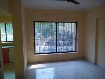 Gallery Cover Image of 850 Sq.ft 2 BHK Apartment for rent in Royal Palms Garden View, Goregaon East for 20000
