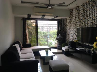 Gallery Cover Image of 1500 Sq.ft 3 BHK Apartment for rent in Ashish Swapnalok Towers , Malad East for 56000