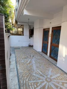 Gallery Cover Image of 3400 Sq.ft 7 BHK Independent House for buy in Sector 19 for 25000000