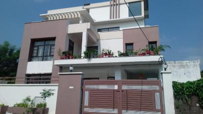 Gallery Cover Image of 3500 Sq.ft 8 BHK Independent House for buy in Gomti Nagar for 38500000